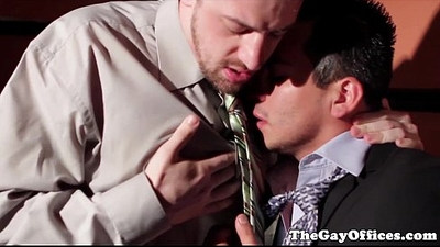 Gaysex boss bumfucking an employee in secret